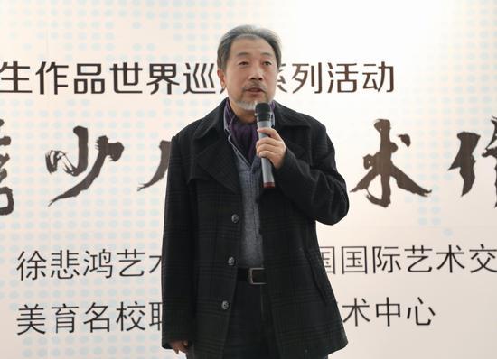 北京市西城区美术家协会副主席、中国国家工美协会油画艺委会理事、著名油画家刘溯