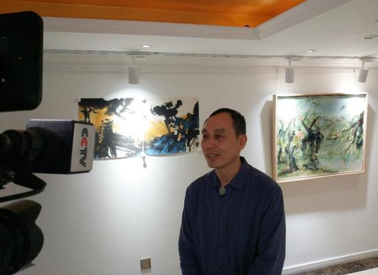 悦航艺术馆馆长张木生接受中央电视台采访