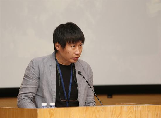 中央美术学院油画系副主任刘商英