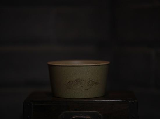 艺术家王翔作品 紫砂杯 泥料:段泥 年代:2017 尺寸:5x6CM