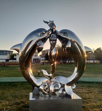 丽金作品 爱-海豚和美人鱼 240x110x275cm不锈钢