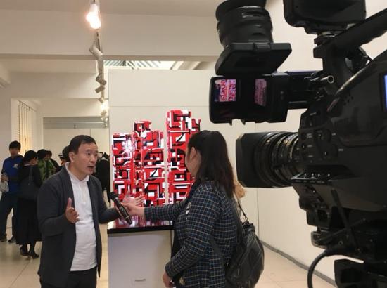 一山接受蒙古国电视台采访