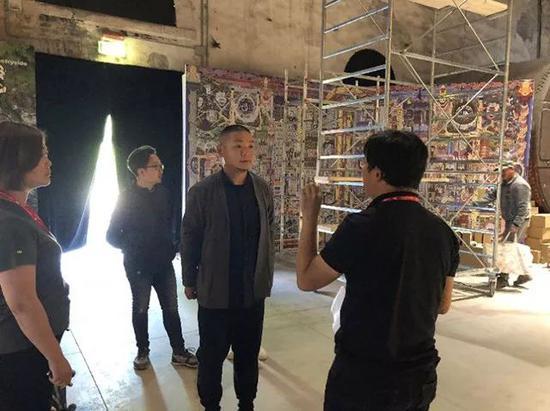威尼斯建筑双年展策展人李翔宁与刘宏剑