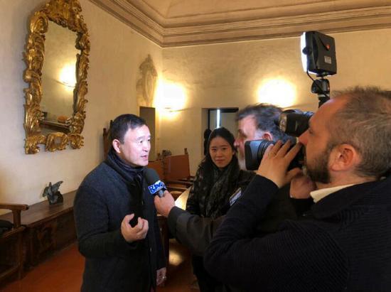 yishan接受圣玛尼诺国家电视台的采访