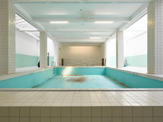 Elmgreen & Dragset The Whitechapel Pool 2018 mixed media dimensions variable Courtesy: the artists, Whitechapel Gallery Photo by: Jack Hems