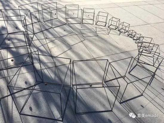 作品名称:《回》创作年代:2017年  作品材质:金属 作品尺寸:最大宽200(cm)