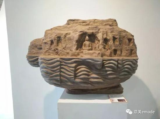 作品名称:《风景NO-1 》创作年代:2017年 作品材质:树脂仿砂岩 作品尺寸:80x20x40(cm)