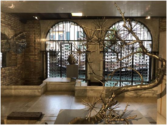 《林泉再造—积松》史金淞 / 实物脱胎、青铜铸造、不锈钢等 / 115x95x65cm / 2016