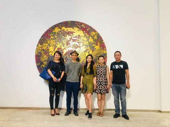 嘉宾合影 左起:苏倩倩、张长收、姜淼、鲍禹、赵能智