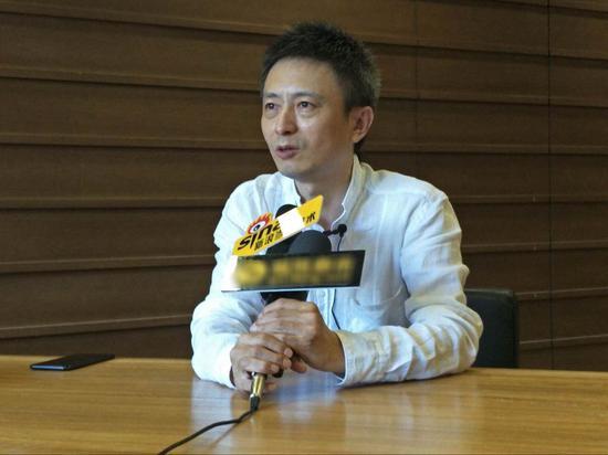 策展人费俊教授