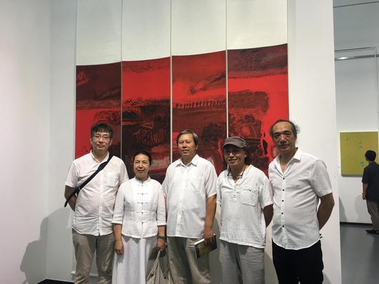 左起:汪东东、肖素红、于树斌、王恬、林依峰。