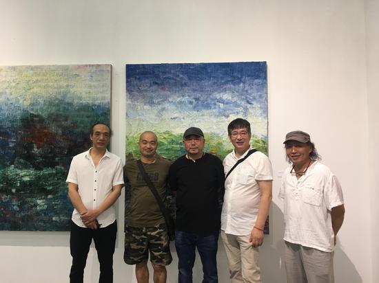 左起:林依峰、吕嵘、王远、汪东东、王恬。