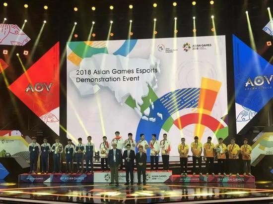 中国电竞团队荣获2018雅加达亚运会电竞表演赛金牌