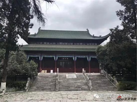 南京市政协画廊位于南京市政协大院资政堂二楼