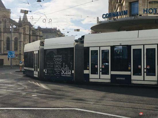廖昌永演唱会公交车上的广告