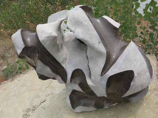 谷文达  《天象·芒种》   儒石(石灰岩)  80×50×70cm  2017年