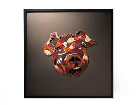 △《猪年生肖珐琅画》,90cm×90cm,珐琅,作者:施君