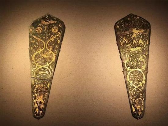 铜错金神兽纹当卢