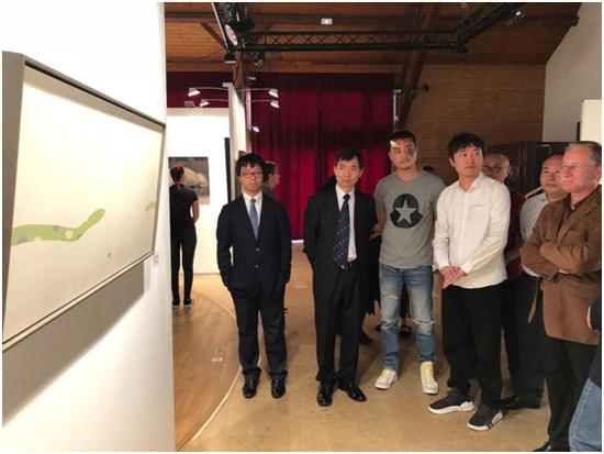 艺术家程广峰为嘉宾导览