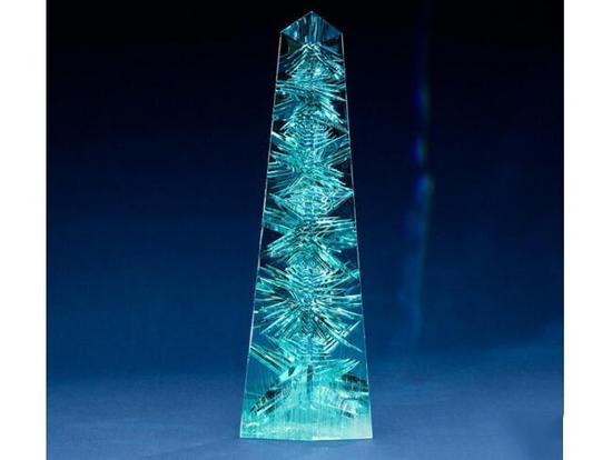 """全球最大一颗经过切割的海蓝宝石""""Dom Pedro Aquamarine"""""""