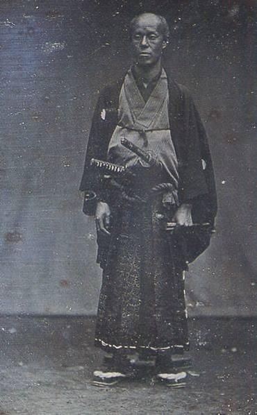 这个人,是浦贺奉行所的与力田中光仪。与力相当于现在的警察署长。