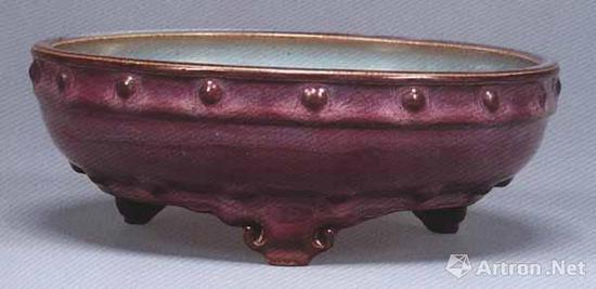 宋 钧窑玫瑰紫釉鼓钉洗 直径19.7厘米