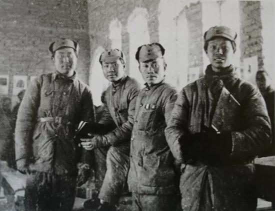 1941年彦涵、华山、胡一川、罗工柳在敌后木刻工作团