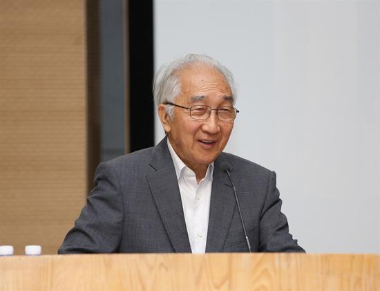中国美术家协会名誉主席、原中央美术学院院长靳尚谊