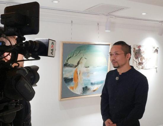 著名艺术家吴悠接受中央电视台采访