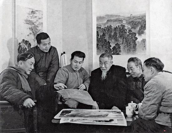1980年 左起宋文治、金志远、亚明、钱松岩、魏紫熙、陈达