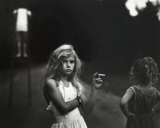 Sally Mann(Candy Cigarette, 20.32x 25.4cm Gelatin Silver Print, 1989)