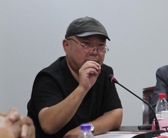上海代表性抽象艺术家、华东师大博导、上海抽象画会副会长王远发言