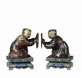 清17世纪铜胎彩釉描金童子掐丝珐琅座摆件