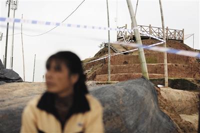 西汉海昏侯墓旁的侯夫人墓,侯夫人墓已经在早年被盗。