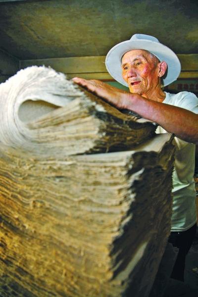 捞毛纸曾是当地百姓的生活必需品本版图片均由沁阳市委宣传部提供