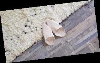 摩洛哥的地毯拖鞋。