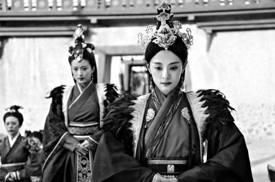 《芈月传》中高冠似元朝姑姑冠