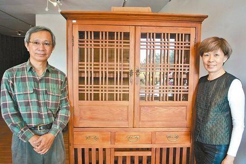 吴朝荣与王惠慧夫妻对台湾老家具情有独钟,收藏大约600件。来源:台湾《联合报》