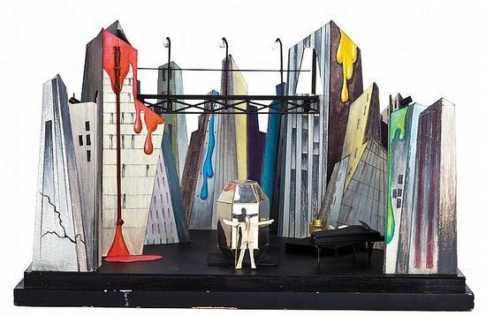 大卫·鲍伊《Diamond Dogs》专辑巡演的舞台设计模型 图片:courtesy the Victoria & Albert Museum。