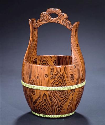 雍正仿花梨木纹釉瓷桶