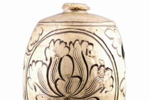 美观实用的元代牡丹花卉纹梅瓶