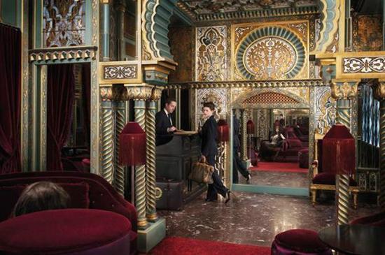 """Maison Souquet提供""""爱情屋""""体验,在年轻人中变得非常时尚。(网页截图)"""