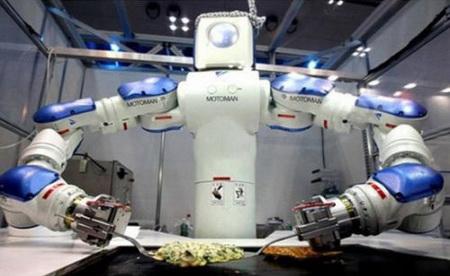 ▲ 马来西亚吉隆坡一家机器人主题餐厅的炒菜机器人