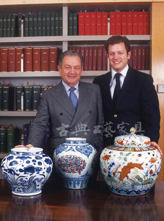 埃斯肯纳齐父子,是著名中国古董鉴赏、经营者。