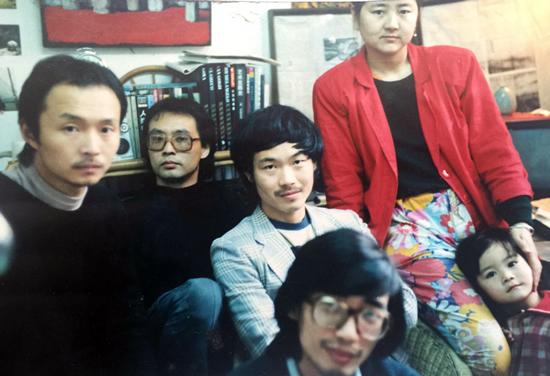 1989年,陈卫闵,张晓刚,刘勇,王毅,甫立亚,叶甫纳在重庆。