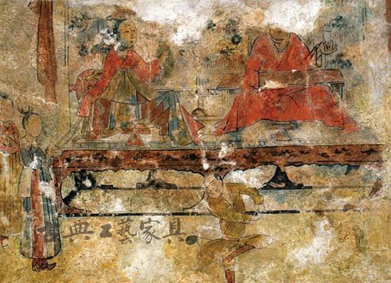 山东嘉祥隋徐敏行夫妇墓壁画,屏风床榻几案组合以及倚靠的隐囊