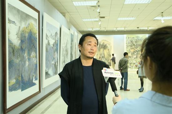 京徽画院青年画家郭庆志接受采访