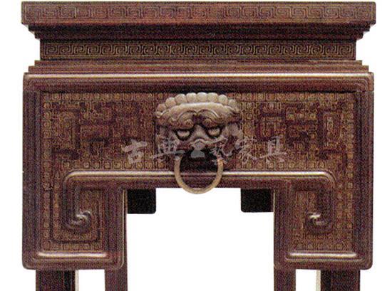 图4-2 长方桌的局部特写