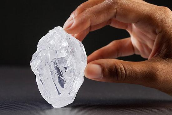 """""""我们的光""""钻石,大小接近网球,来源:FX168财经网"""