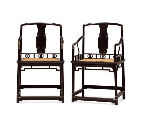 清前期 (1644-1722) 乌木高扶手南官帽椅成对